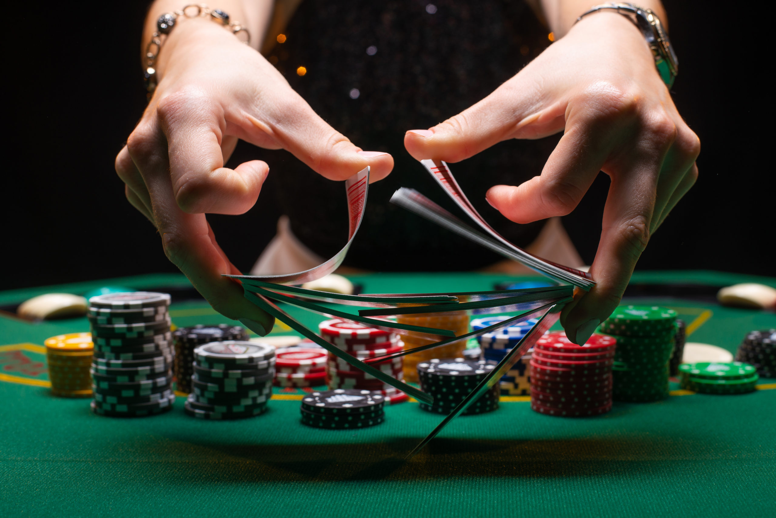 Poker and Women: The Secret in Their Eyes
